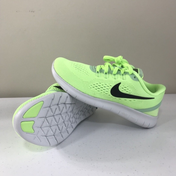 new styles 6cde7 c2ca8 Women's Nike Free RN Run Ghost Mint Green Sz 5.5 NWT